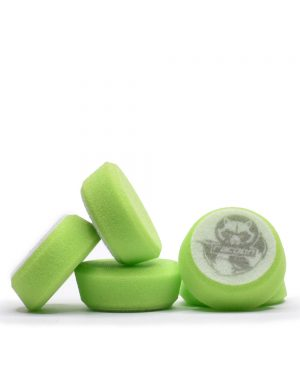 päť zelených extra mäkkých penových leštiacich kotúčov s logom autokozmetiky Racoon Cleaning Products