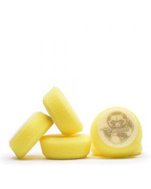 päť žltých mäkkých penových leštiacich kotúčov s logom autokozmetiky Racoon Cleaning Products