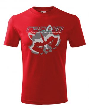 červené tričko s logom racoon a horizontálnym nápisom