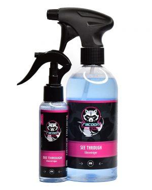 dve priehľadné fľaše s rozprašovačom obsahujúce svetlomodrú tekutinu, špičkový čistič okien automobilov ale aj v domácnosti See Through, s etiketou a logom autokozmetiky Racoon Cleaning Products