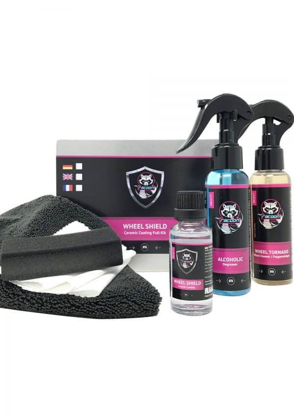 rozbalený set produktov keramickej ochrany na disky kolies automobilu značky Racoon Cleaning Products
