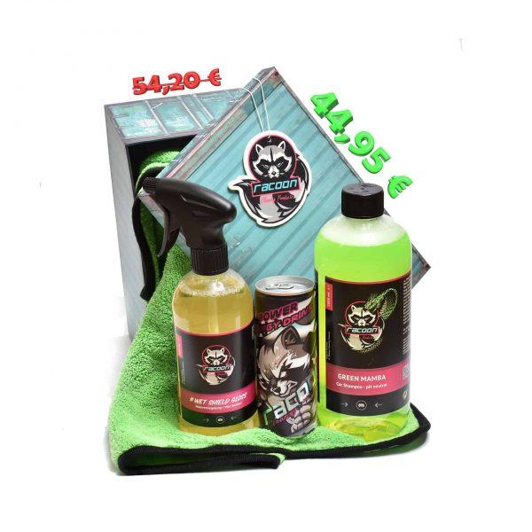 darčeková krabička ako set produktov autokozmetiky Racoon Cleaning Products, Zelená sušiaca utierka Racoon, priehľadné fľaše s produktmi, zelený autošampón Green Mamba, žltočíry tekutý vosk Wet Shiled gloss, energetický nápoj Racoon a Závesná vôňa Racoon